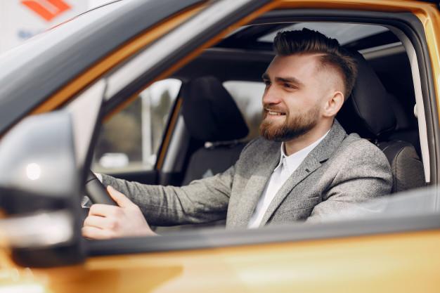 Dirija o carro: Último passo para avaliar a parte técnica é a execução do teste-drive .
