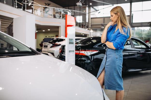 as mulheres tendem a seguir praticidade nos carros na hora da compra do seu carro feminino.