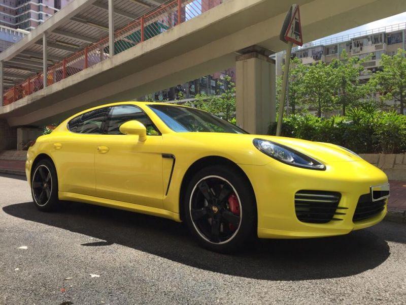 Porsche Panamera é um dos carros do jogador Neymar