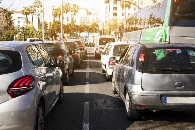 moto ou carro? qual a melhor escolha no transito do dia a dia