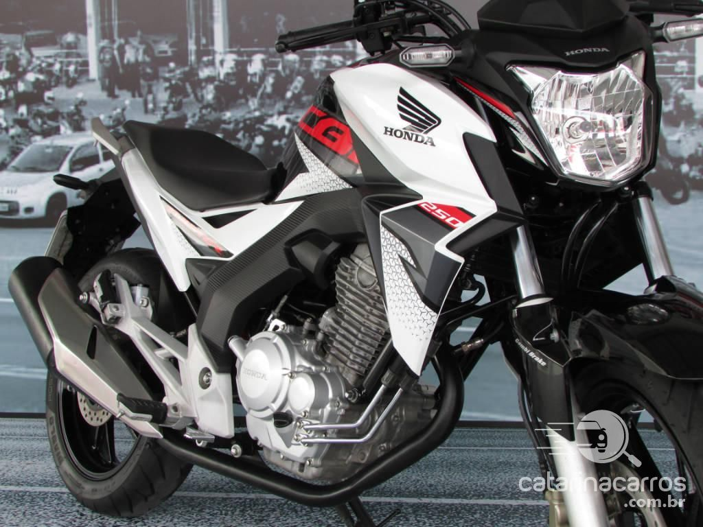Financiar motos Naked: Honda-cb-twister-250cc