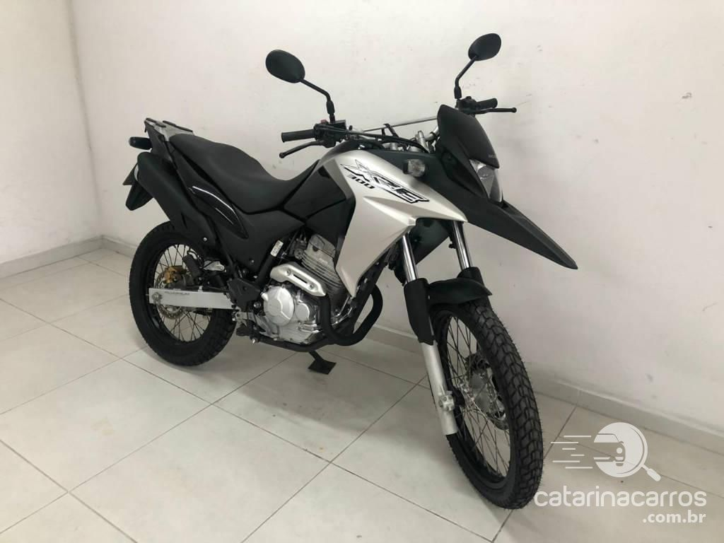 Financiar motos Trail: Honda-xre-300